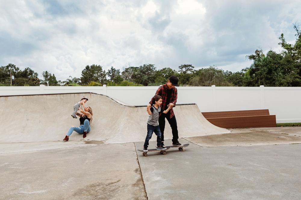 Naples Family Photographer, family at a skate park