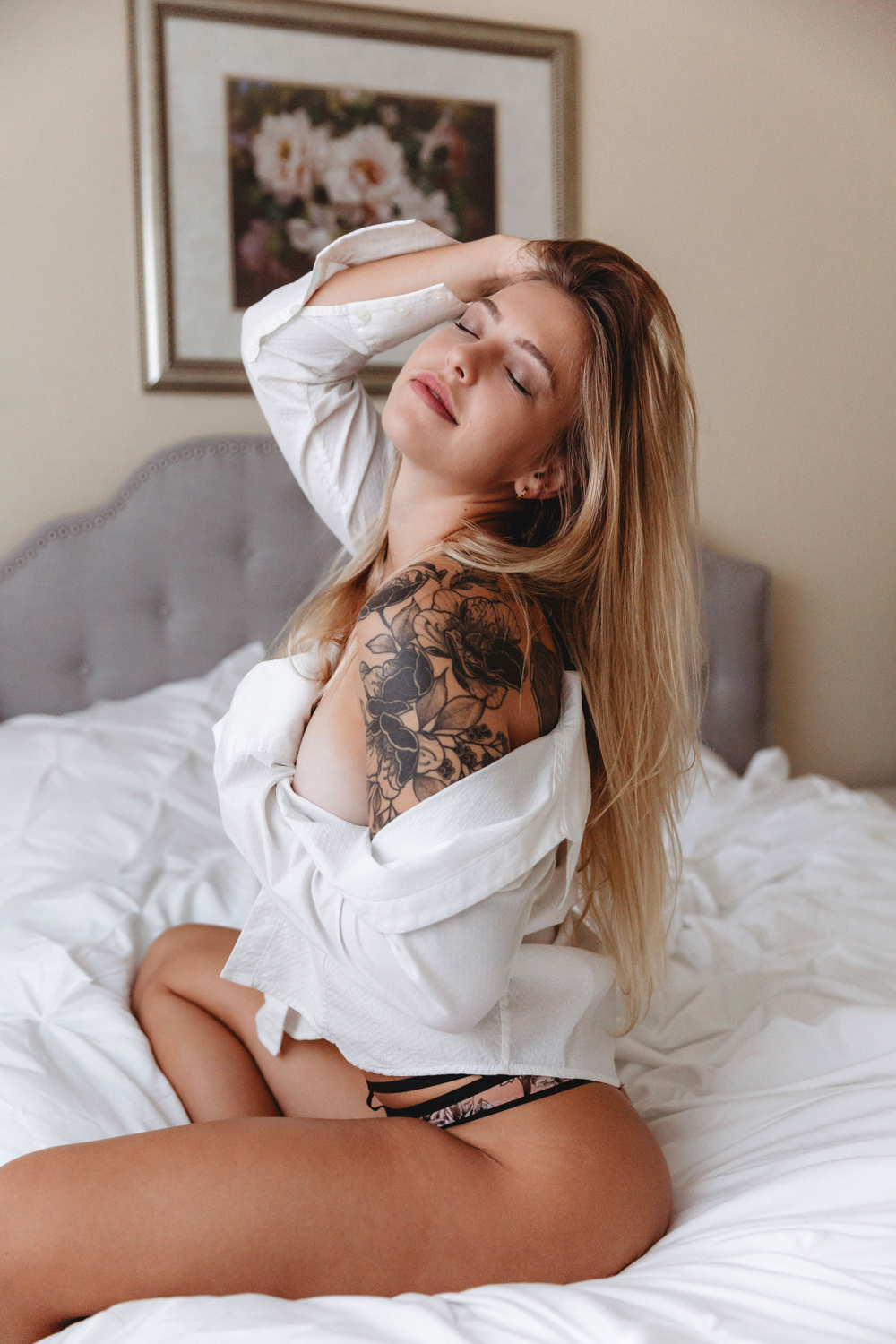 Naples Boudoir Photographer, woman with flower tattoo