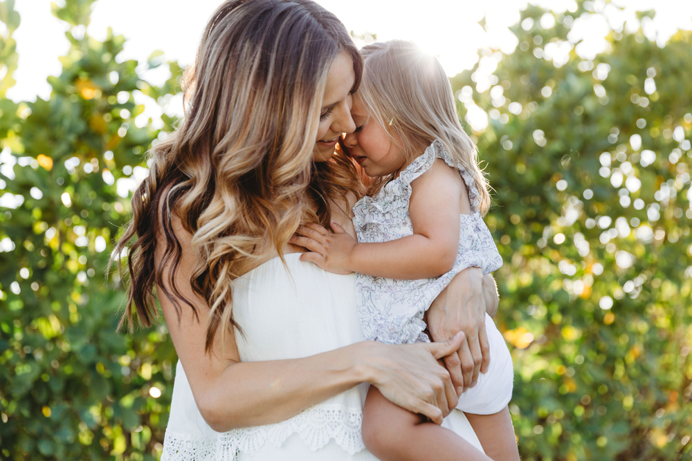 Naples Family Photographer, mother and daughter hugging